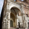der Eingang des Palazzo Publicco