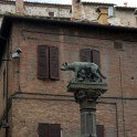 die Wölfin, die Romulos und Remus säugte als Wahrzeichen der Stadt Siena