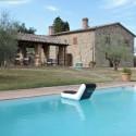 großes Landhaus mit Pool in ruhiger Alleinlage