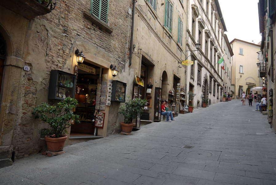 Montepulciano - Via di Gracciano nel Corso