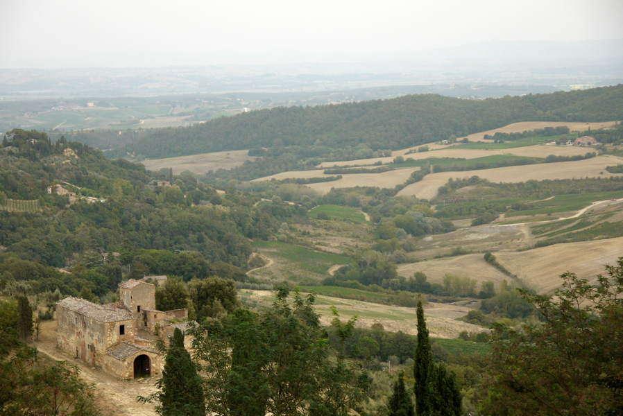 Montepulciano - Ausblick von der Stadtmauer auf das Valdichiana