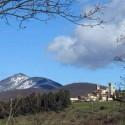 San Cascianao dei Bagni, schneebedeckte Hügel im Winter