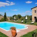Val d'Orcia Ferienhaus Bagnolo, Garten mit Pool