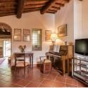 Ferienhaus Villa Roncosi - Aufenthaltsraum mit Klavier