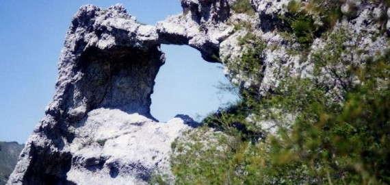 Valle Peggioni, ein durchlöcherter Steilhang