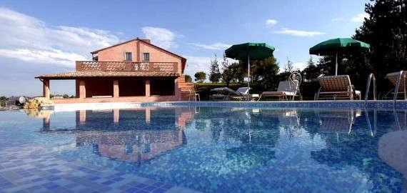 Villa Pietra - Ferienhaus mit Swimmingpool