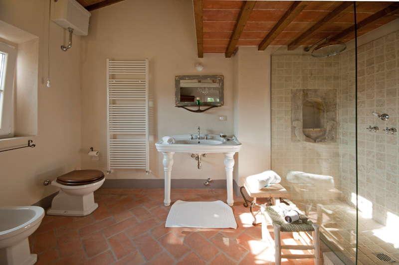 Wunderbar Ferienvilla Montescudaio   Badezimmer