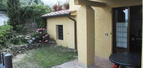 Ferienwohnung Leporaia - privater Eingang und Gartenbereich