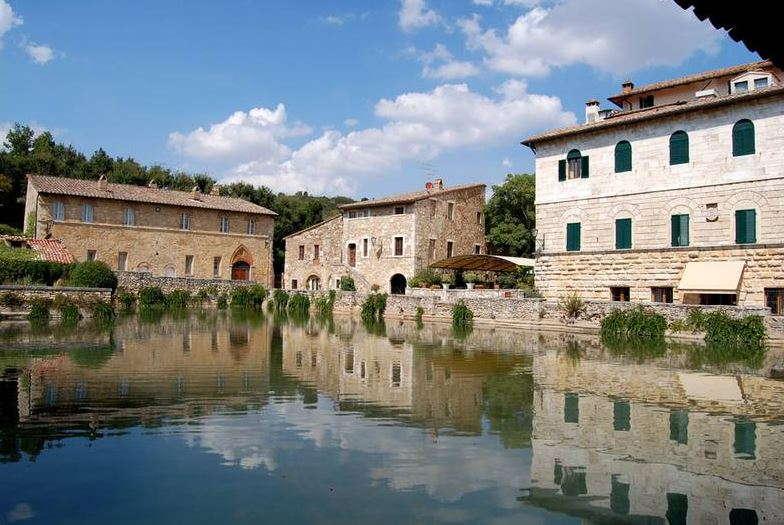 Bagno vignoni thermen in der toskana toskavista - Bagno a vignoni ...