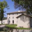 freistehende Villa mit Privatkapelle auf dem Grundstück