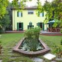 Villa Ronchi - rückwärtiger Garten mit kleinem Teich