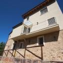 Versilia Ferienhaus Fabrizia - rückwärtige Terrasse und Balkon