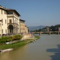 Florenz entlang des Flusses Arno