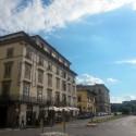 die nahegelegene Piazza