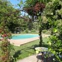 Der schön angelegte Poolbereich