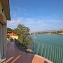 Ferienwohnung Ligurien - die große Terrasse mit Flussblick