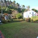 Ligurien Ferienwohnung - der Garten mit Grillplatz