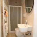 Ligurien Ferienwohnung - das kleine Bad mit Dusche