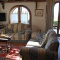 Der Wohnraum mit gemütlicher Sitzecke