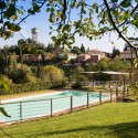 Swimmingpool mit großem Aussenbereich