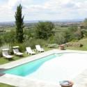 Der private Swimmingpool mit herrlicher Aussicht