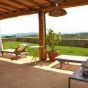 Ausblick von der Terrasse in den Garten