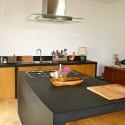 sehr komfortable moderne Küche
