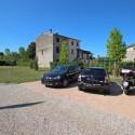 der Parkplatz auf dem privaten Grundstück