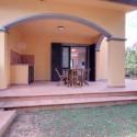 Ferienhaus Rocchette Sabbia - große überdachte Terrasse