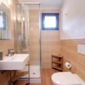 Bad mit Dusche im OG