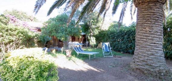 Ferienwohnung am Strand Le Rocchette, Garten