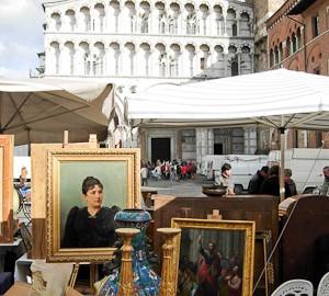 Antiquitätenmarkt in Lucca