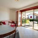 Villetta Fria - Wohnraum mit Zugang zur Terrasse